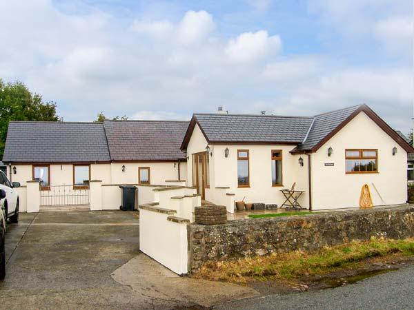 PEN-PRYS-FAWR, all ground floor, wheelchair access, woodburner, pet-friendly - Image 1 - Rhosneigr - rentals