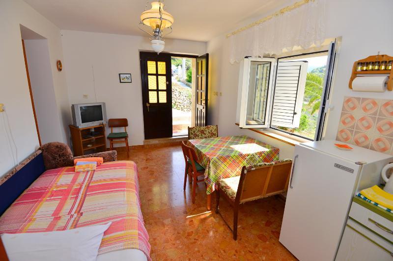A2(2+1): dining room - 6732 A2(2+1) - Povlja - Povlja - rentals
