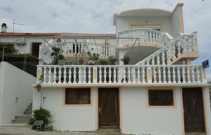 house - 8145  A1 jednosobni(3+2) - Zubovici - Zubovici - rentals