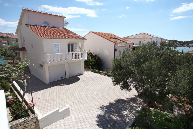 house - 8182 A2(2+2) - Okrug Gornji - Okrug Gornji - rentals