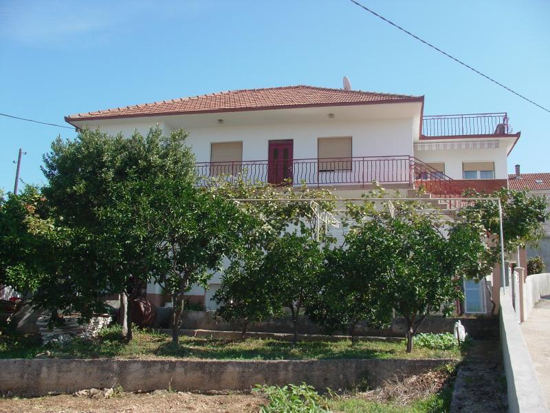 house - 8188  A1(4+1) - Okrug Gornji - Okrug Gornji - rentals