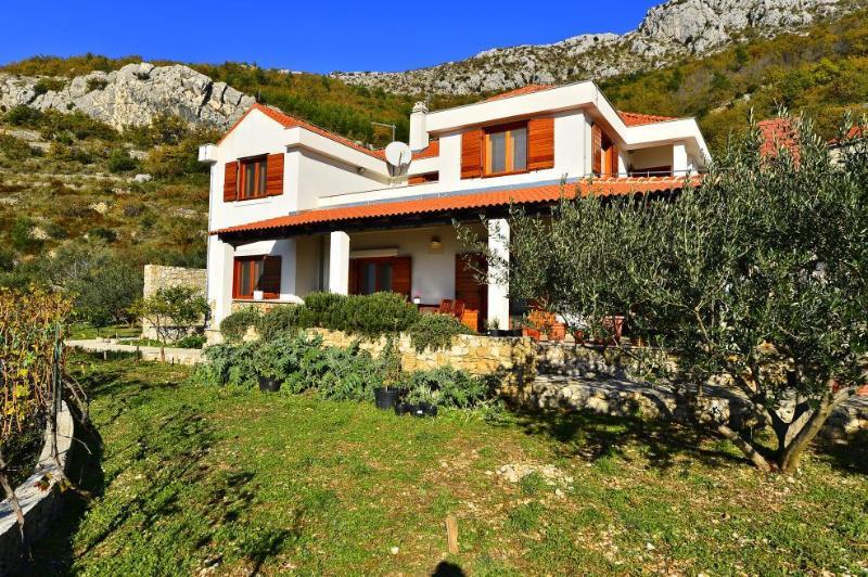 house - 8196  H(8+2) - Kastel Kambelovac - Kastel Kambelovac - rentals