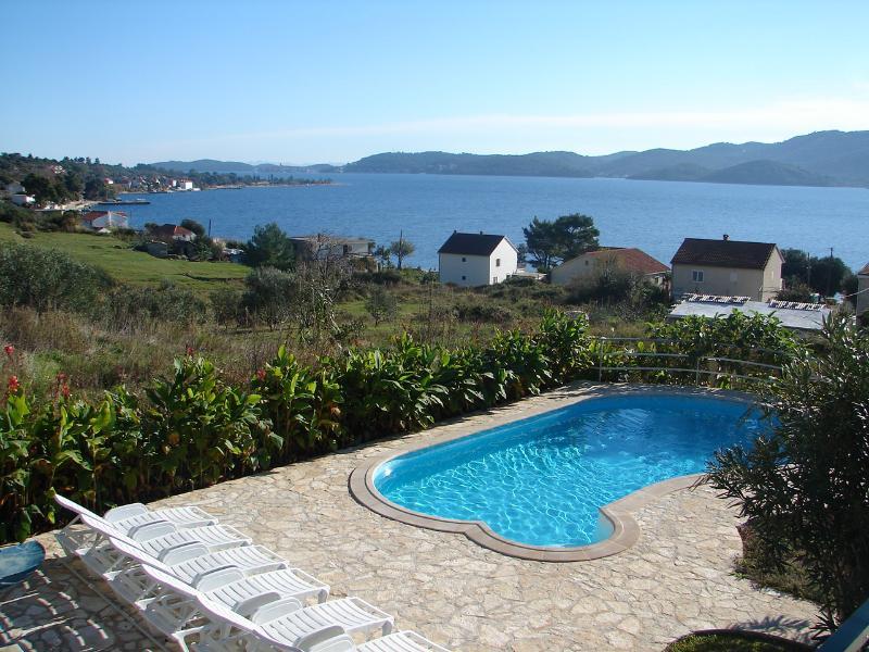 H(8+2): terrace view (house and surroundings) - 00817VIGA  H(8+2) - Viganj - Viganj - rentals