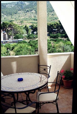A3(2+1): terrace - 015A04KOMI  A3(2+1) - Komiza - Komiza - rentals