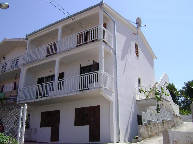 house - 001OKRG  A1(4+1) - Okrug Gornji - Okrug Gornji - rentals