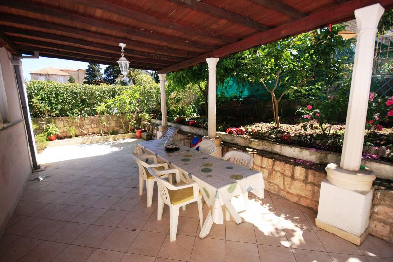 Red (4+1): covered terrace - 039KORC Red (4+1) - Korcula - Korcula - rentals