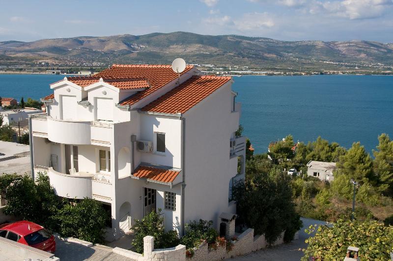 house - 2189  A2(2+2) - Arbanija - Arbanija - rentals