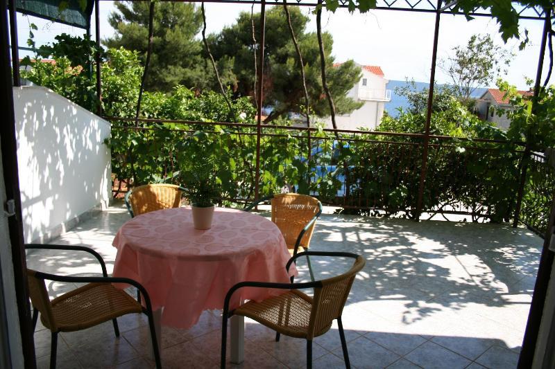 A3(3+2): terrace - 2420 A3(3+2) - Okrug Gornji - Okrug Gornji - rentals