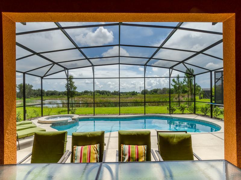 Welcome to 'Solterra Villa' - NEW *SOLTERRA VILLA* < Luxury Lakeside 6/5 Villa > - Davenport - rentals