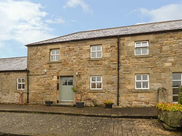 THE STABLES, pet friendly, country holiday cottage, with a garden in Bellingham, Ref 1530 - Image 1 - Bellingham - rentals