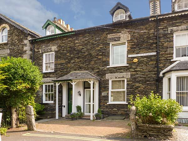 NUMBER 16, family friendly, luxury holiday cottage, with a garden in Bowness & Windermere, Ref 3791 - Image 1 - Bowness & Windermere - rentals