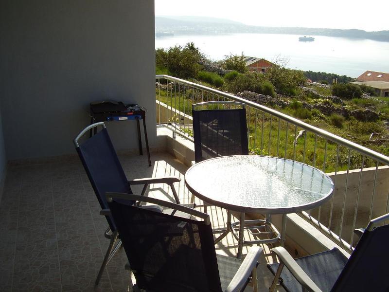 A2 (2+2): terrace view - 2055 A2 (2+2) - Seget Donji - Seget Donji - rentals