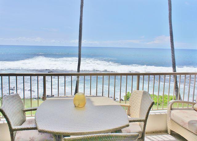 Ocean Front Lanai - Kona Reef A-15 Ocean Front Condo! Next to Honl's Beach! Walk to Town. - Kailua-Kona - rentals