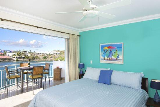 1st master suite, private balcony - Lighthouse Condo - Unit 4A - Newly furnished - United States - rentals