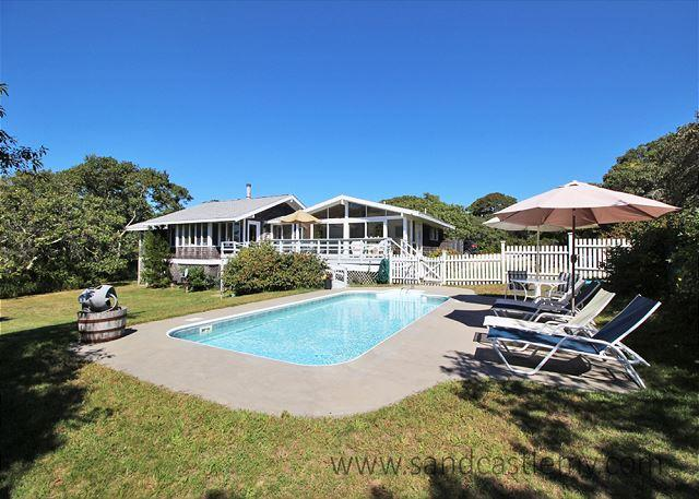 Gracious and Spacious Chilmark Home with a Pool - Image 1 - Chilmark - rentals