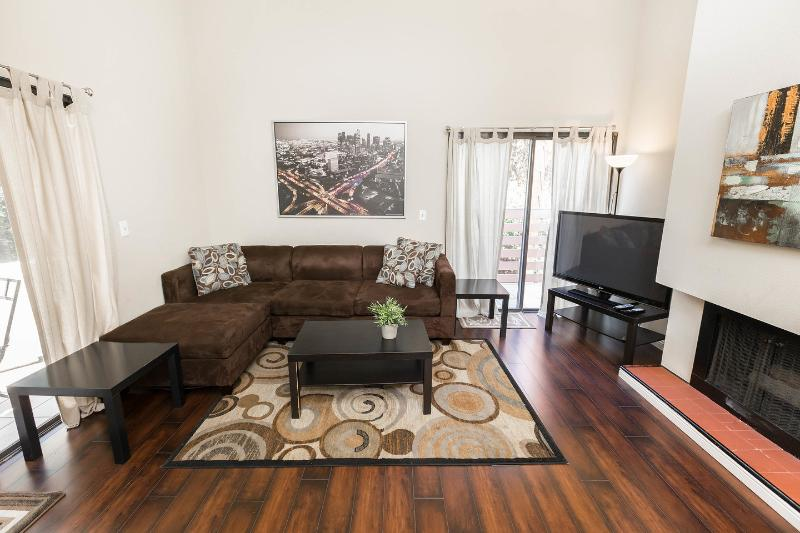 Living Room - Westside Retreat - Adj Beverly Hills & UCLA-1 BR - Los Angeles - rentals