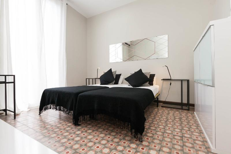 The Second Twin Bedroom - Pau Claris cv5 - Barcelona - rentals