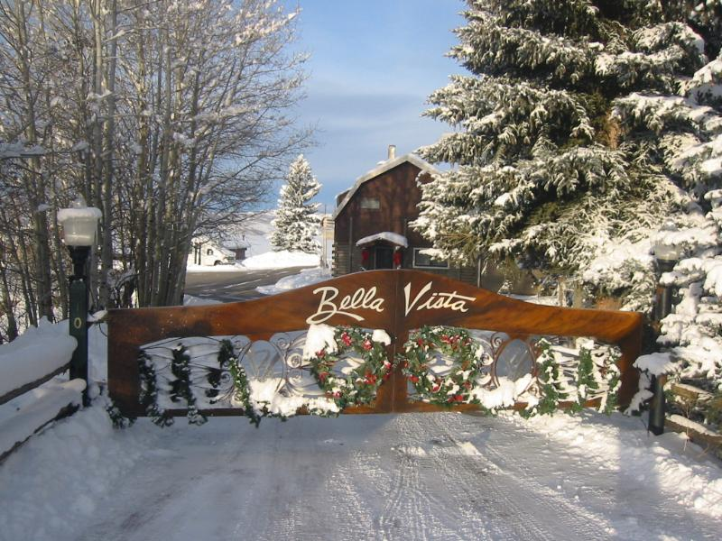 Inside these gates, your dreams await!  The only limitation is your imagination. - Bella Vista- private luxury estate - Steamboat Springs - rentals
