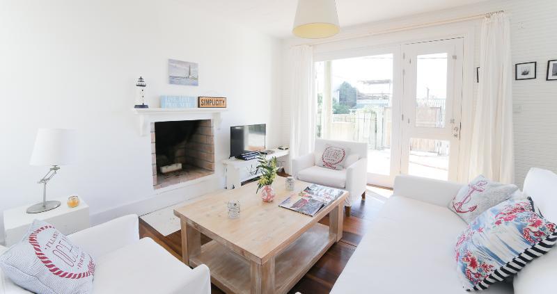 Beachfront 2 Bedroom Home in José Ignacio - Image 1 - Manantiales - rentals