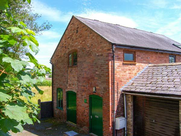 THE BARN, all first floor, pet-friendly close to town centre, in Oswestry, Ref 916331 - Image 1 - Oswestry - rentals