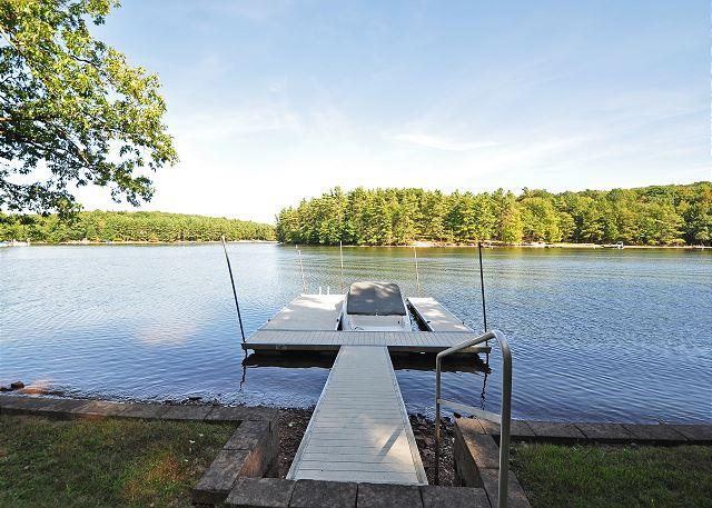 Private Dock - Captivating 3 Bedroom Lakefront Cottage w/ Private dock & Hot Tub! - Swanton - rentals