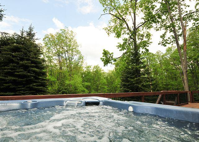 Hot Tub - Stunning & Unique 4 Bedroom Split Lakefront Home w/ Hot tub & amazing views! - Swanton - rentals