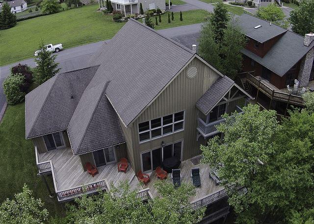 Sensational Lakefront home with hot tub! - Image 1 - McHenry - rentals