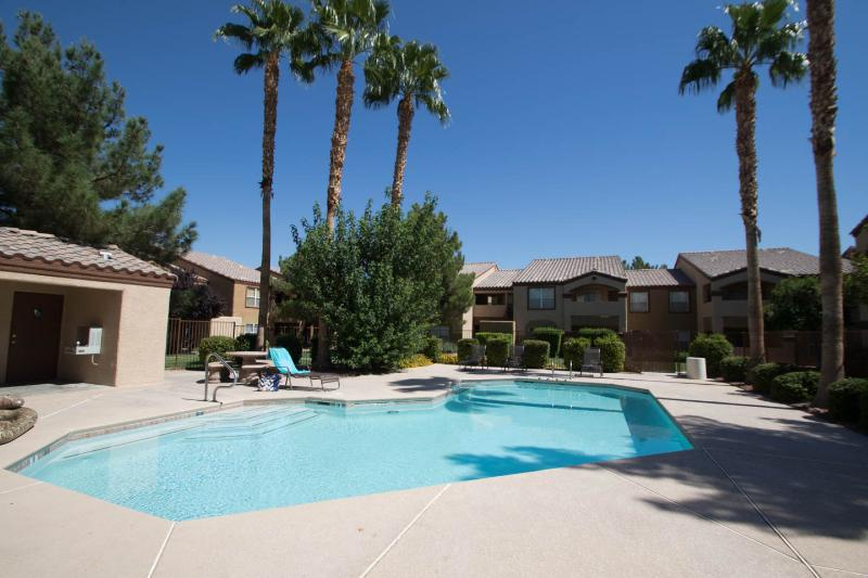Executive Oasis near the Las Vegas Strip! - Image 1 - Las Vegas - rentals