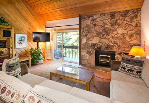 Gorgeous House with 2 Bedroom & 2 Bathroom in Mammoth Lakes (Snowcreek #059 (Phase 1)) - Image 1 - Mammoth Lakes - rentals