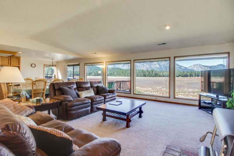 Serenity overlooking Tahoe Keys meadow; rec center access w/ shared pool! - Image 1 - South Lake Tahoe - rentals