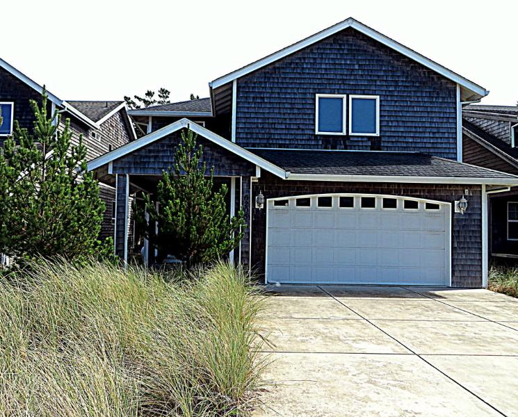 Newer 4 bedroom, WIFI, PET OK. Beach is so close! - Image 1 - Pacific City - rentals