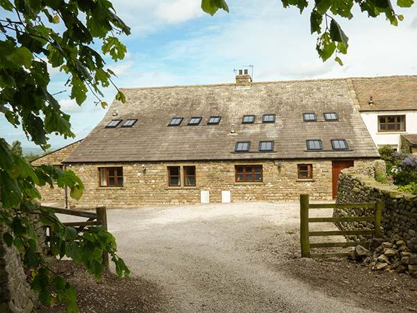 USHERWOODS BARN, pet friendly, luxury holiday cottage, with a garden in Tatham Near Bentham, Ref 1964 - Image 1 - Fourstones Near Bentham - rentals