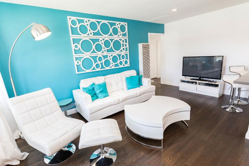 Living Room - Fully Remodeled Ultra Modern & Hip House - Culver City - rentals