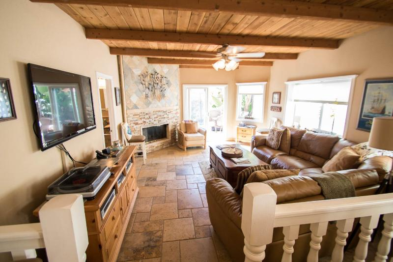 Wonderful,  great room has room for your family to relax,enjoy friends or just watch a game on TV - Beautiful Mandalay Beach House - Oxnard - rentals
