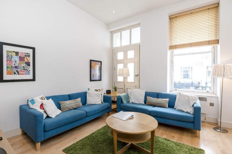 LOCATION! 2 Bed Fast WIFI - APPLE TV, Notting Hill - Image 1 - London - rentals