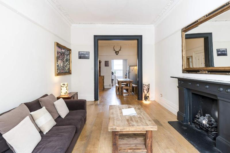 Luxury 2 Bedroom with Free Wifi in Notting Hill - Image 1 - London - rentals