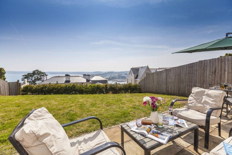 2 The Bay located in Torquay, Devon - Image 1 - Torquay - rentals