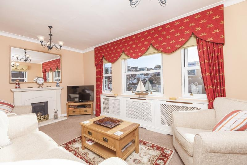 1 Apters Hill House located in Brixham, Devon - Image 1 - Brixham - rentals