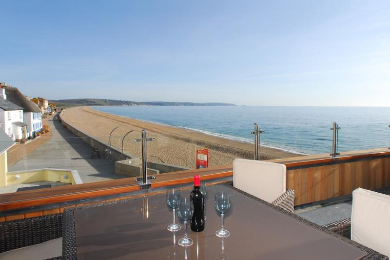 6 At the Beach located in Torcross, Devon - Image 1 - Salcombe - rentals