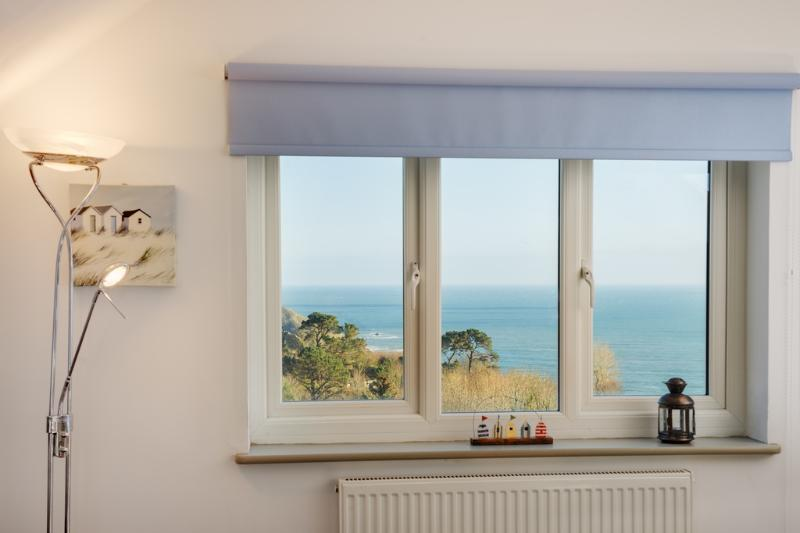 The Penthouse, Endsleigh Court located in Dartmouth, Devon - Image 1 - Dartmouth - rentals