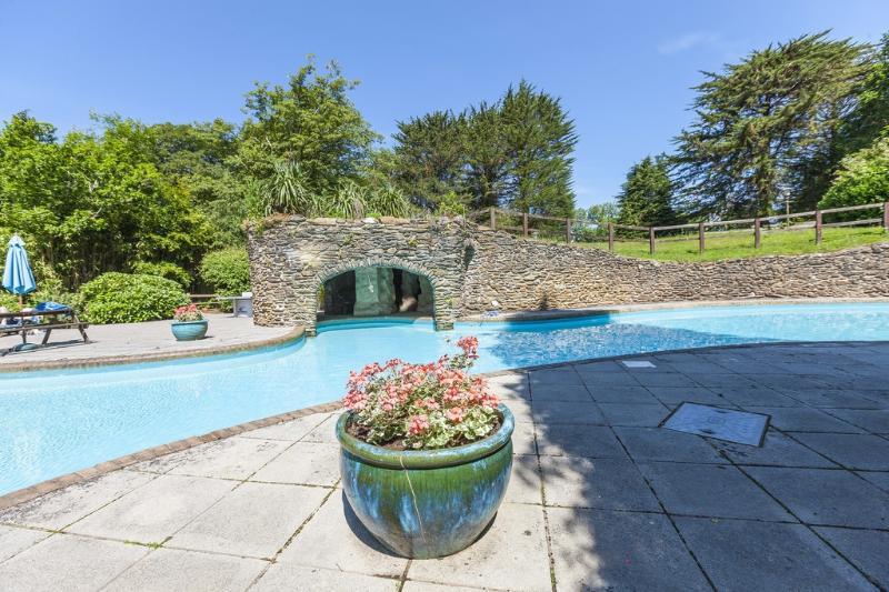 The Lawns located in Modbury, Devon - Image 1 - Modbury - rentals