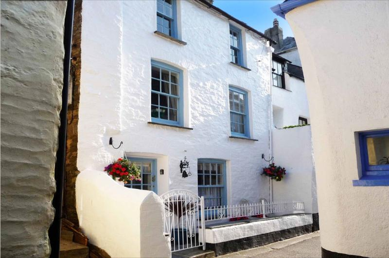 Libbys Cottage located in Polperro, Cornwall - Image 1 - Looe - rentals