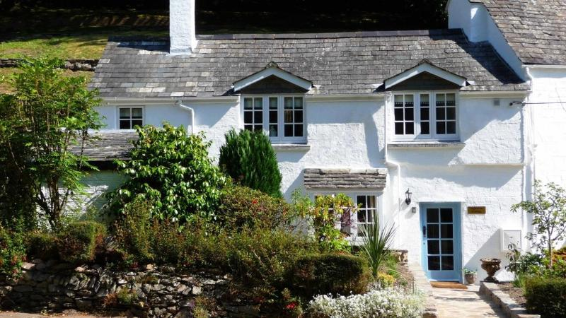 Inglenook Cottage located in Polperro, Cornwall - Image 1 - Looe - rentals
