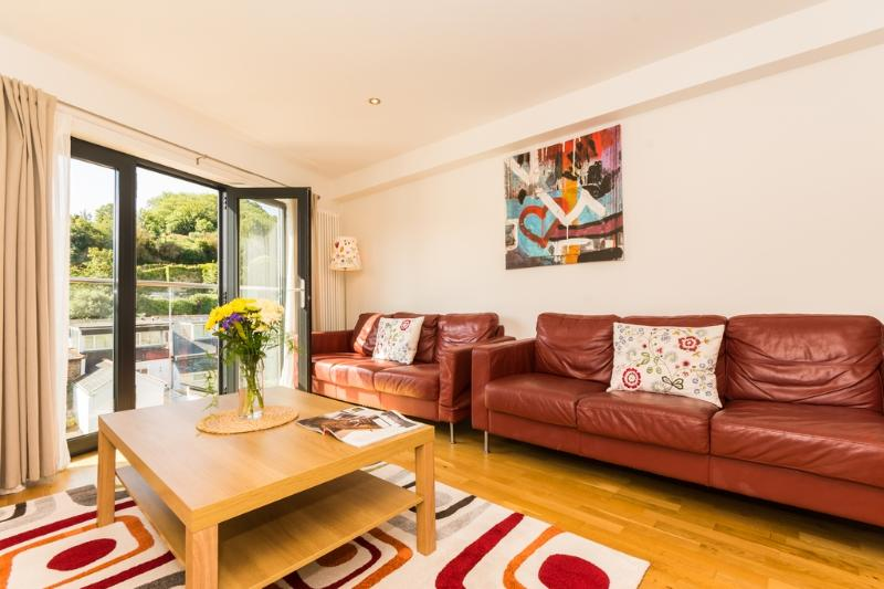 1 Middle Manor Cottages located in Brixham, Devon - Image 1 - Brixham - rentals