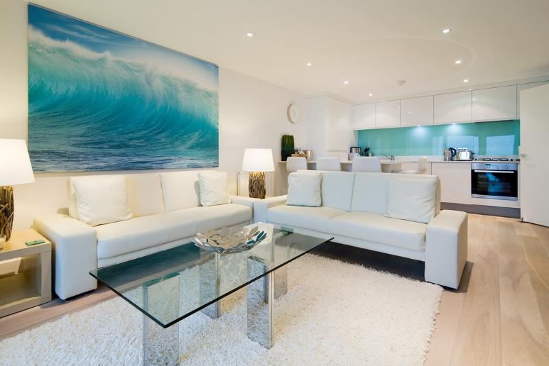 12 Ocean Gate located in Newquay, Cornwall - Image 1 - Newquay - rentals