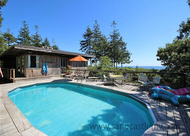 Beautiful, secluded home in Chilmark. - Image 1 - Chilmark - rentals