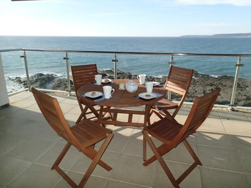 The Penthouse, Nassau Court located in Westward Ho!, Devon - Image 1 - Westward Ho - rentals