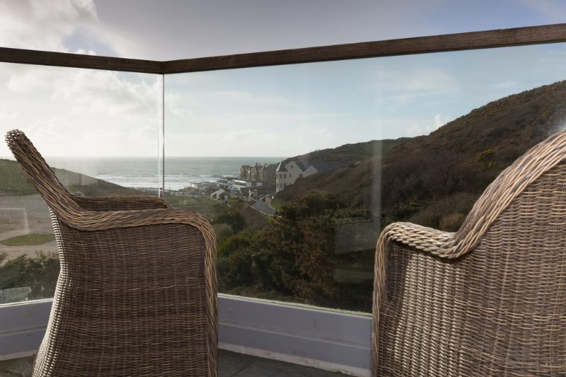 10 The Whitehouse located in Watergate Bay, Cornwall - Image 1 - Mawgan Porth - rentals