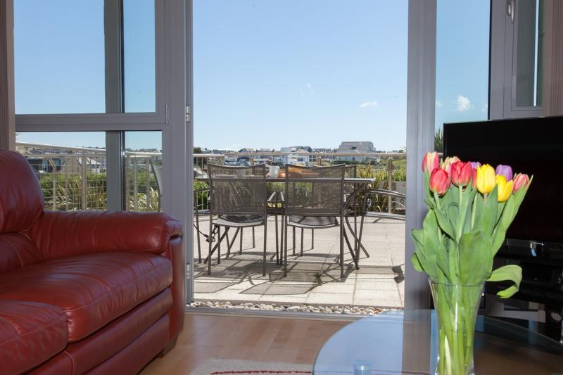 11 Zinc located in Newquay, Cornwall - Image 1 - Newquay - rentals