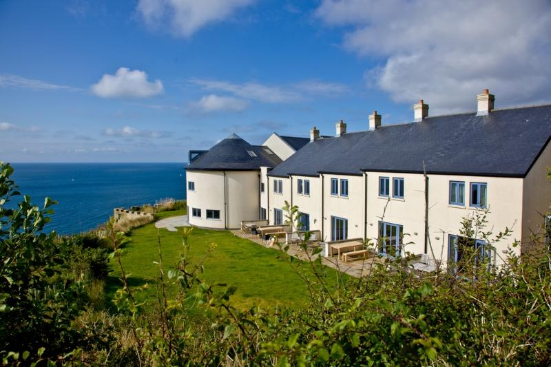 Apartment 3, Gara Rock located in East Portlemouth, Devon - Image 1 - East Portlemouth - rentals